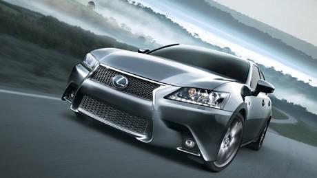 BMW i8 の米国第一号車、オークションで新車価格の6倍で高値落札【ペブルビーチ14]