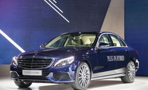 【Mercedes】プラグインハイブリッド Cクラス デトロイトモーターショー2015