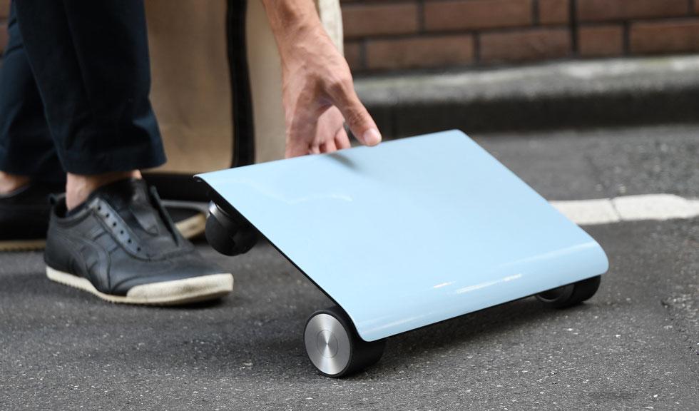 移動手段は電動で!町中すべて歩く歩道で移動しているみいたい「WALKCAR」これは欲しいかも