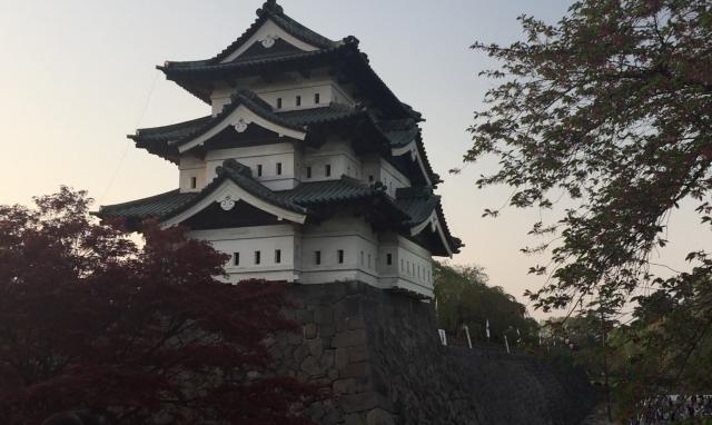 【青森紀行】弘前公園 弘前城(城内からの岩木山と夕日)